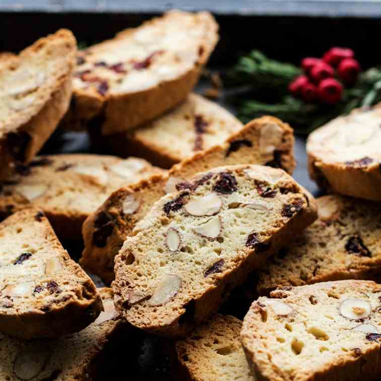 Eggless biscotti with almonds and cranberr
