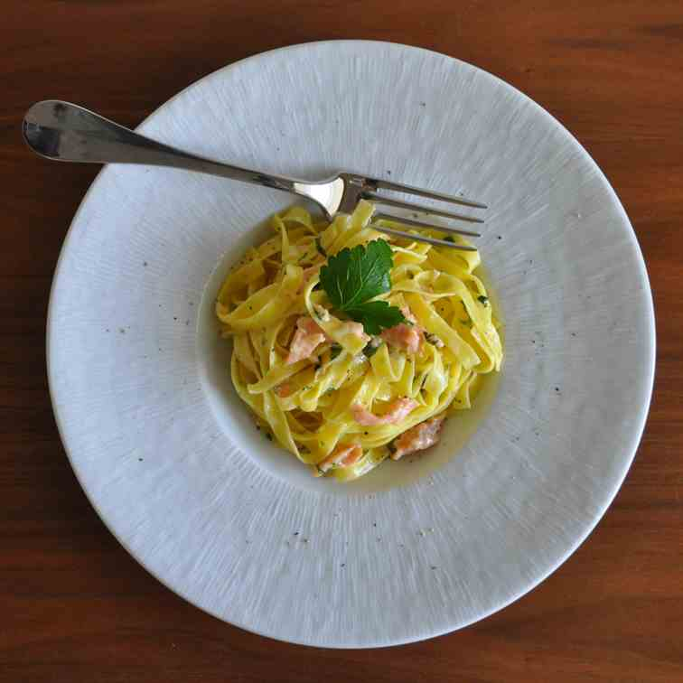 Fettuccine with Creamy Smoked Salmon Sauce