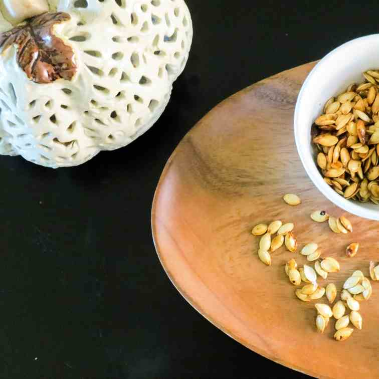 Sweet - Salty Maple Roasted Pumpkin Seeds