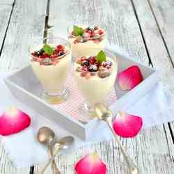 Mousse with rosewater and berries