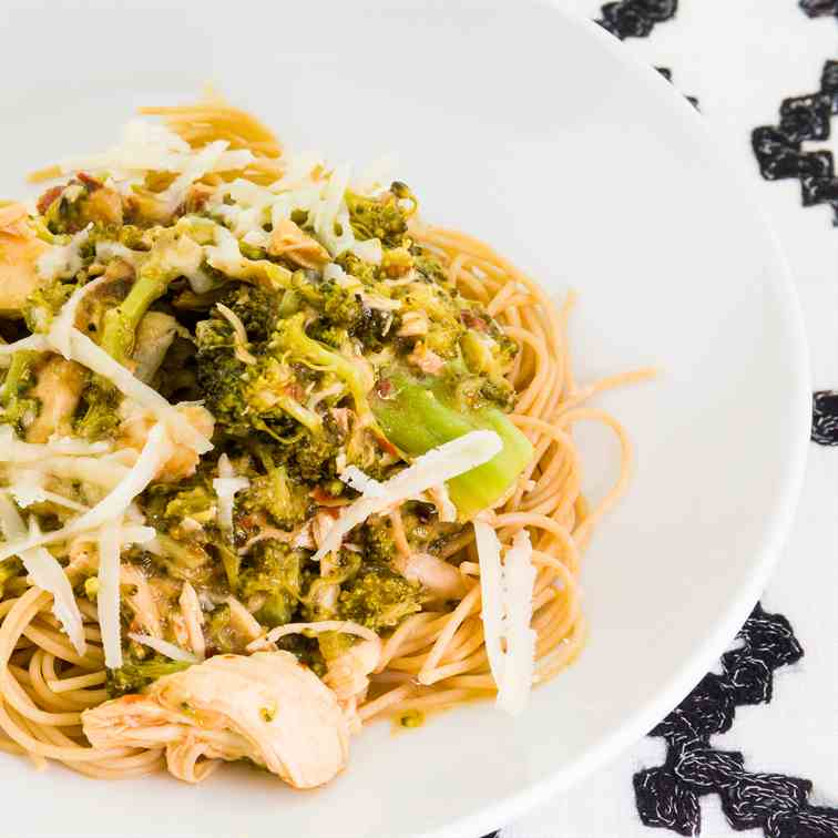 Chicken Breast and Broccoli Pasta