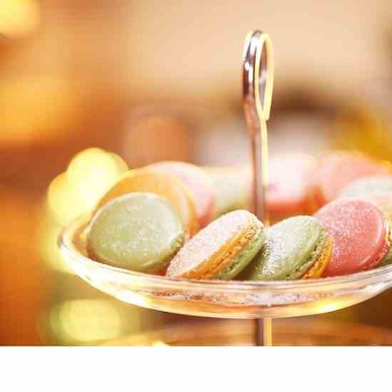How to Make Thandai Macarons For Holi
