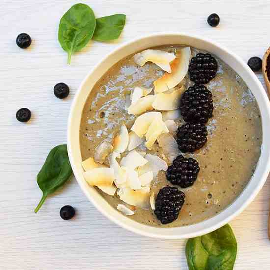 Detoxifying Acai Bowl Recipe