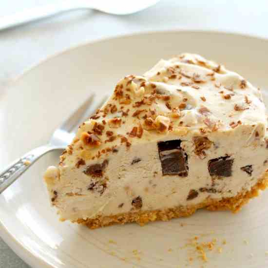 Chocolate Chip Peanut Butter Ice Cream Pie
