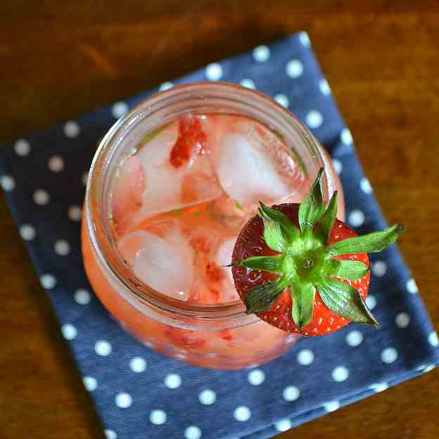Strawberry Mint Gin - Tonic