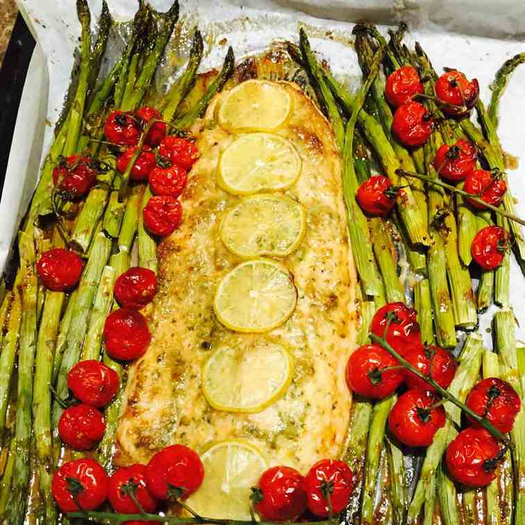 Superb salmon pesto and asparagus bake