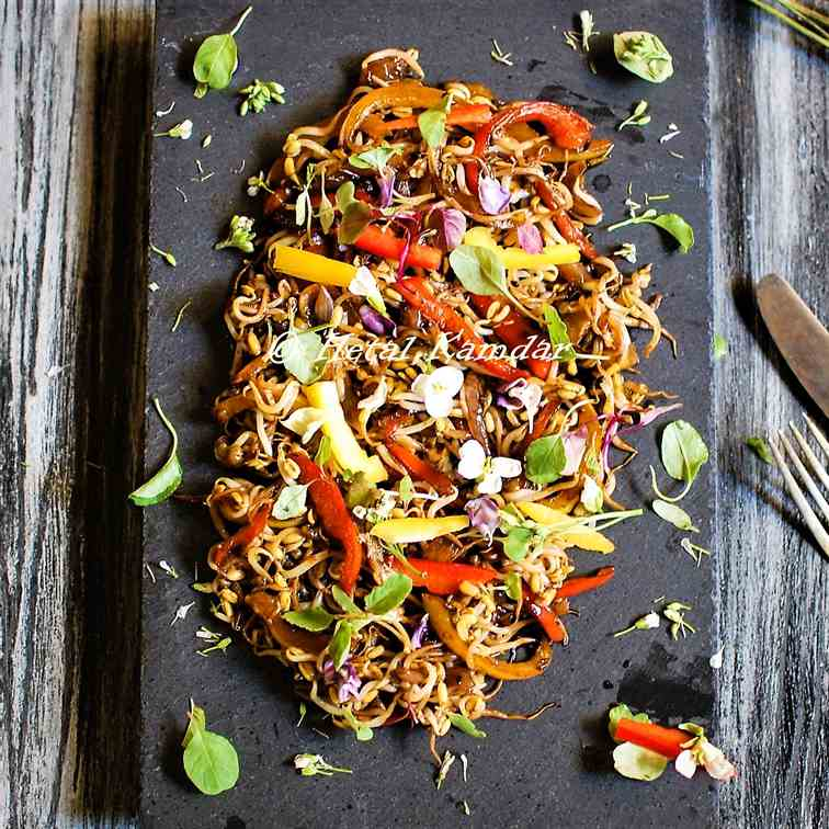 Chinese bell pepper sprout salad