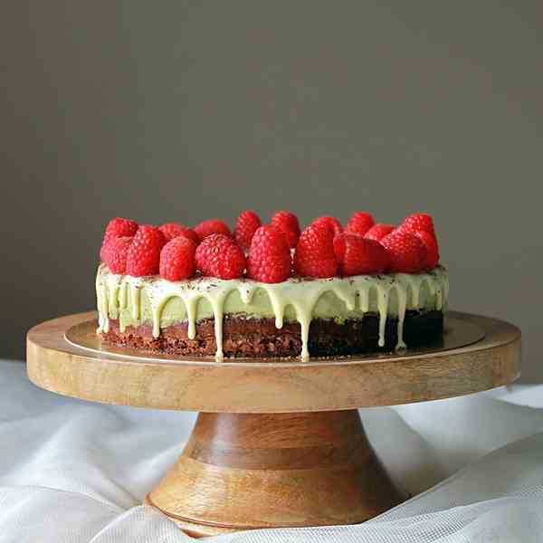 Matcha mousse chocolate sponge cake