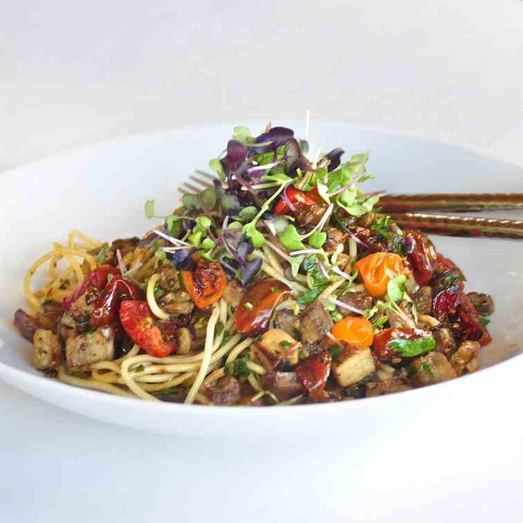 Pasta with summer eggplant