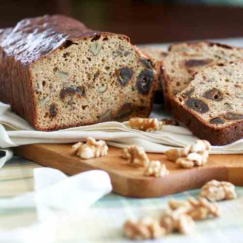 Whole Grain Date and Walnut Bread
