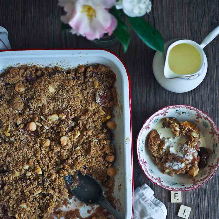 Luscious Fig - Macadamia Crumble