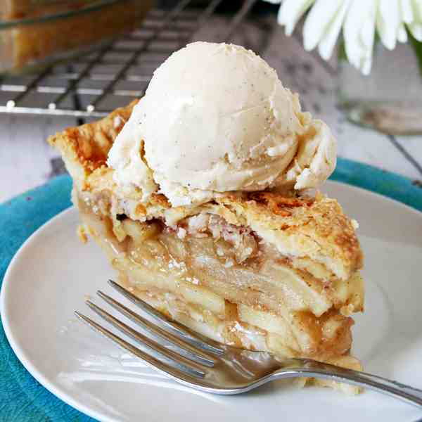 Apple and Cheddar Cheese Pie