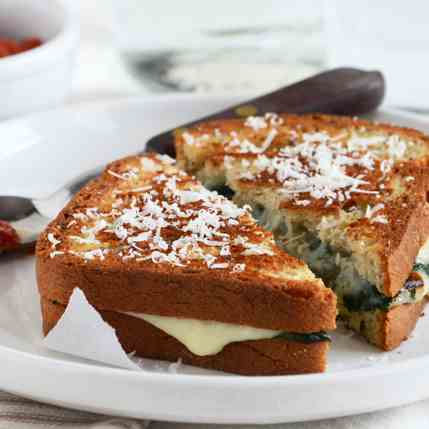Spinach-Mozzarella Grilled Cheese
