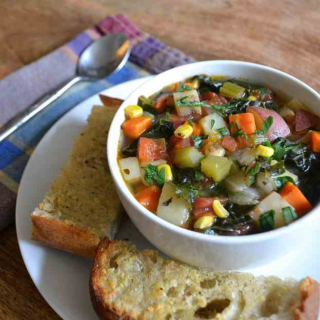 Vegetable Soup with Garlic Bread