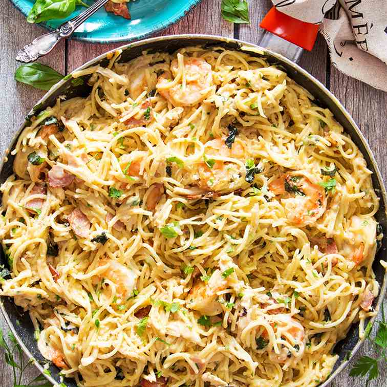 Creamy Chicken and Shrimp Carbonara