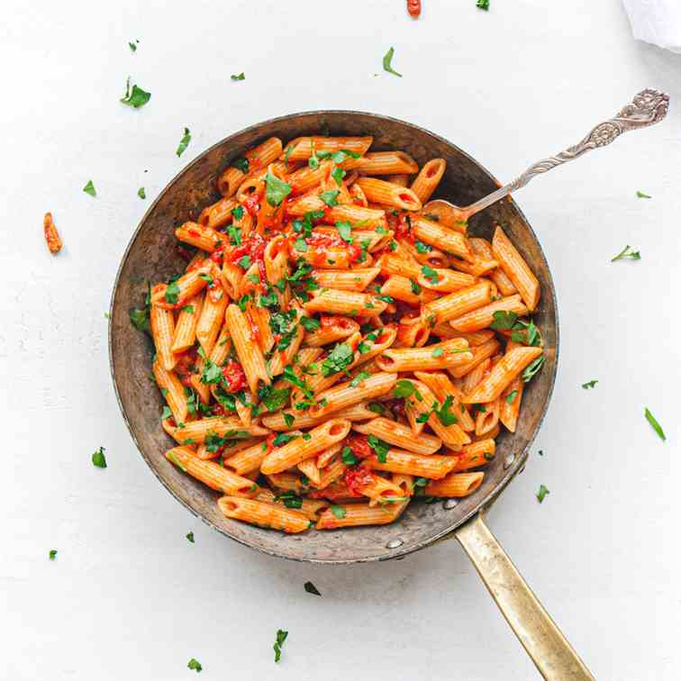 Pasta Arrabbiata Creamy and Healthy
