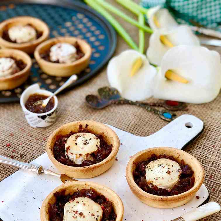 Goats cheese with onion chutney tartlets