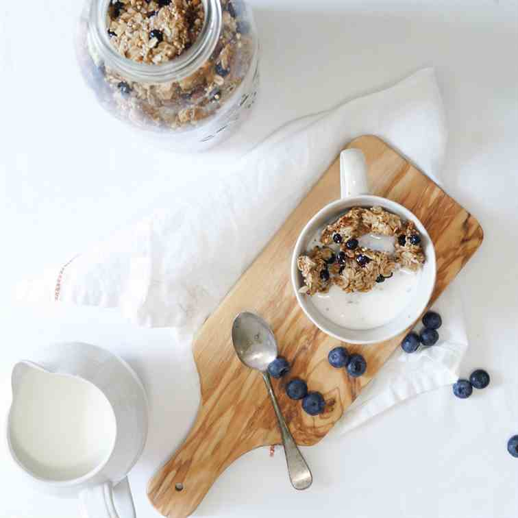 Wild blueberry granola