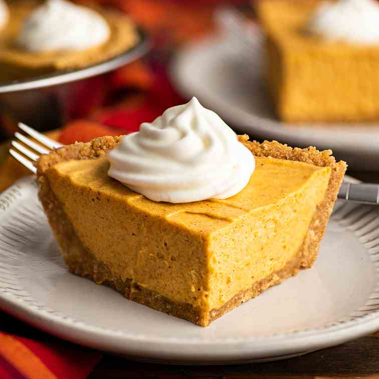 Small Marshmallow Pumpkin Cheesecake