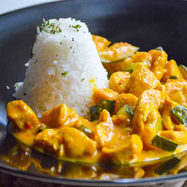 Sweet - Spicy Coconut Chicken Curry