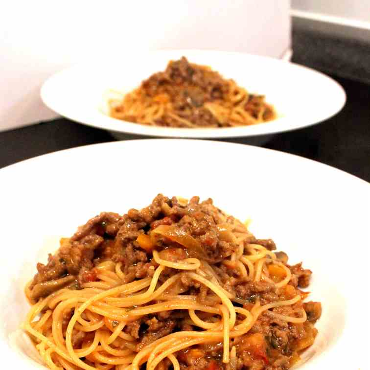 Spaghetti with Beef Onion Sauce