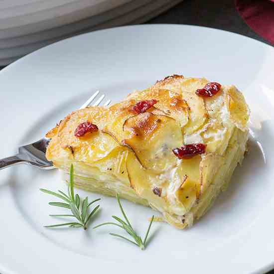 Cranberry Spice Scalloped Potatoes