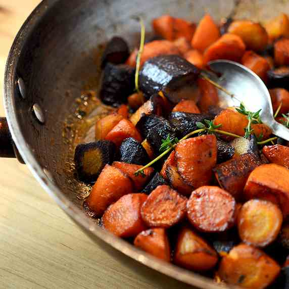Butter Braised Carrots with Thyme