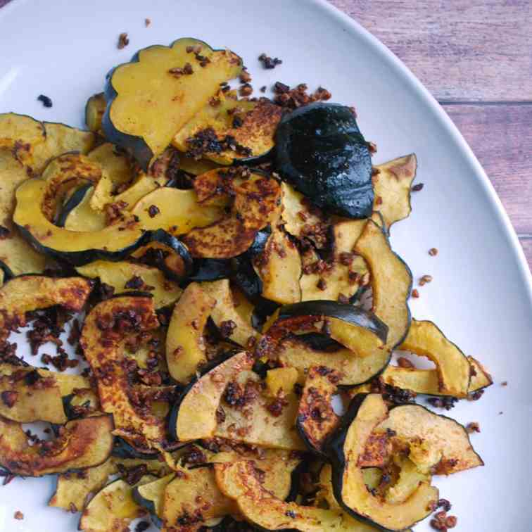 Roasted Orange Pecan Acorn Squash