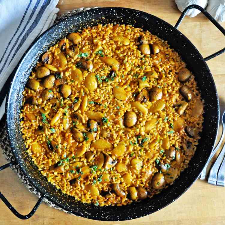 SPANISH PAELLA for 4 PEOPLE for under $10