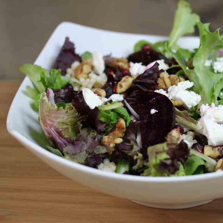 the perfect winter salad with pomegranite