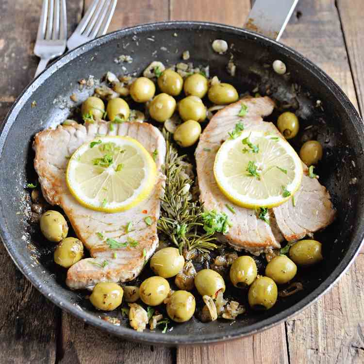 Pan-Seared Tuna Steaks with Spanish Olives