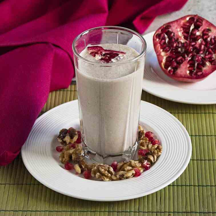 Pomegranate Smoothie with Banana - Walnuts