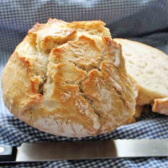 Easy No-Knead Crusty Bread