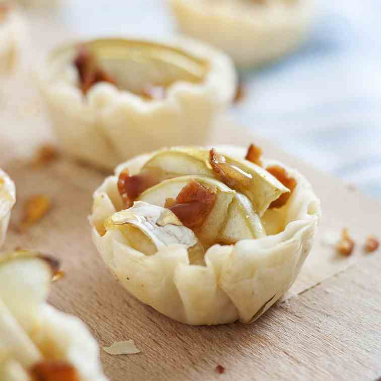 Apple Bacon Brie Bites