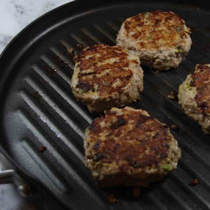 FODMAP DINNER RECIPES-Dill Turkey Burgers