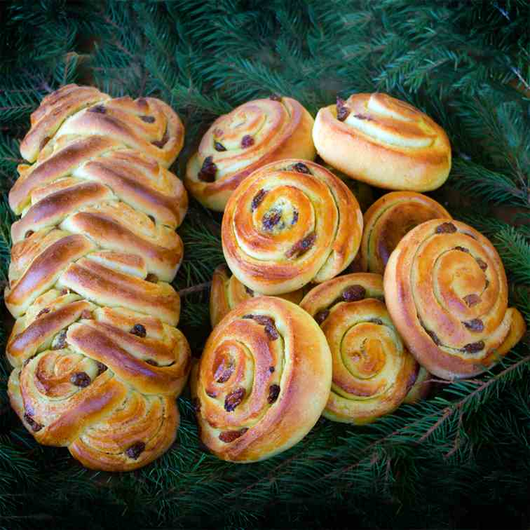 Swedish Saffransbullar