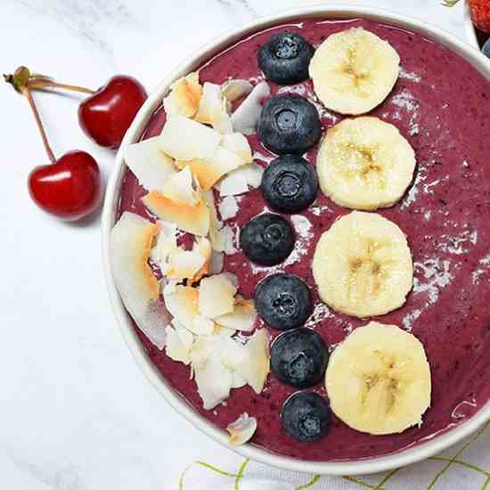 Strawberry Blueberry Smoothie Bowl