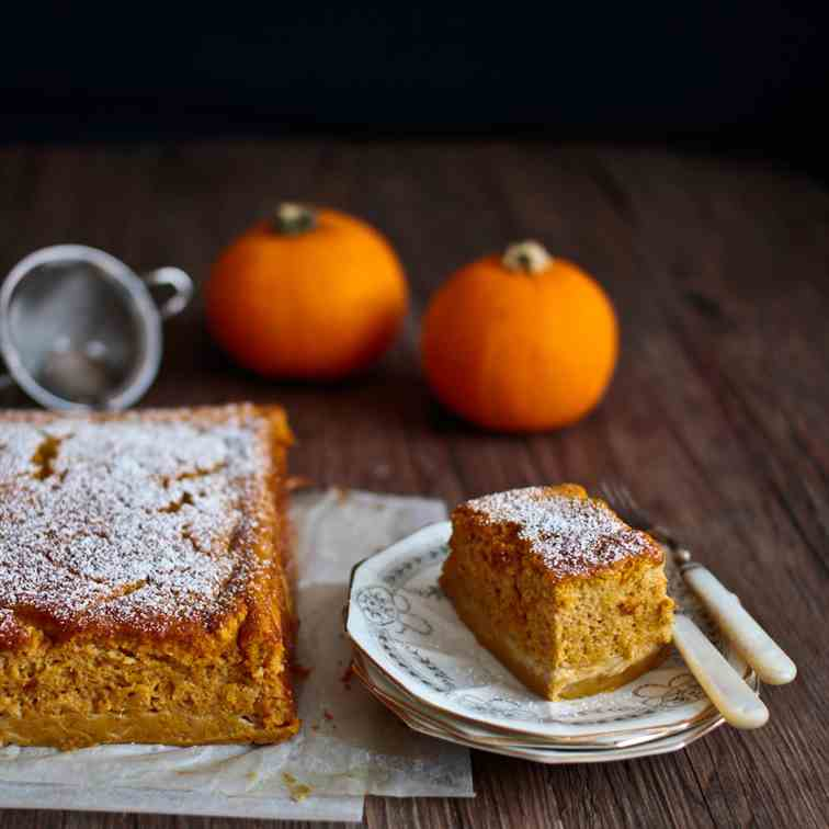 Pumpkin Pie Magic Cake