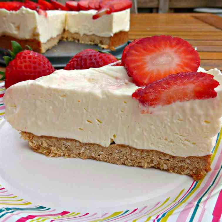 Strawberry Cheesecake with Coconut Base