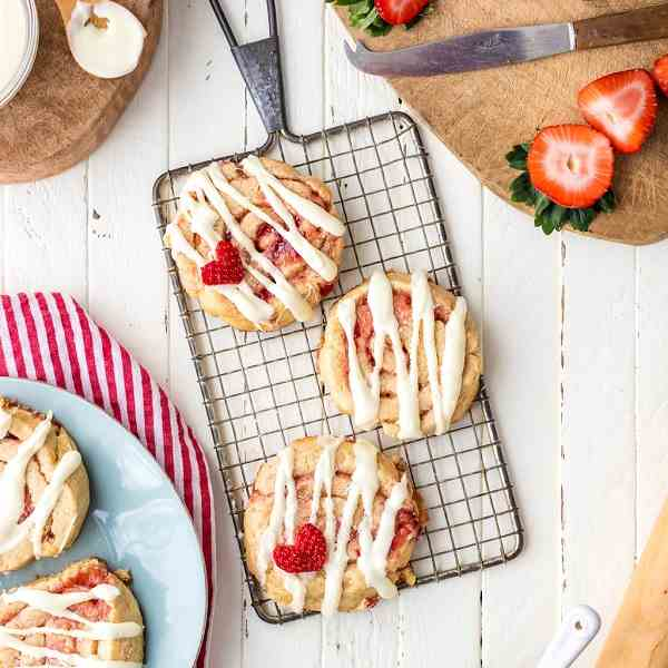 Strawberry Cinnamon Roll Cookies