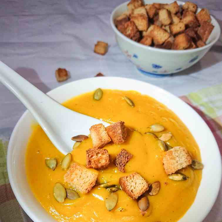 Easy - healthy pumpkin soup