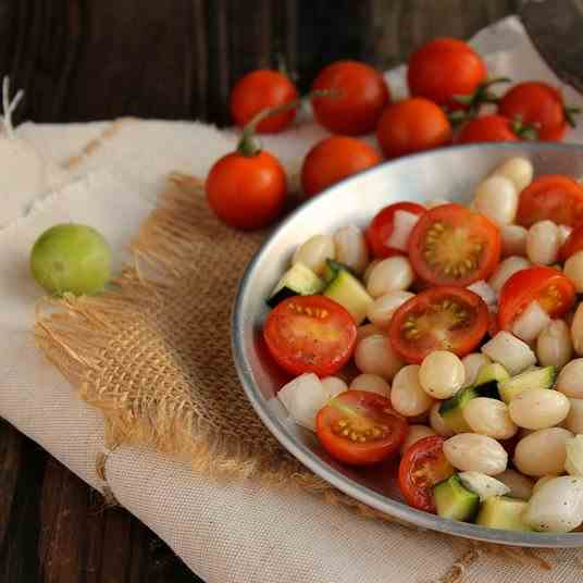Beans, tomatoes & zucchini salad